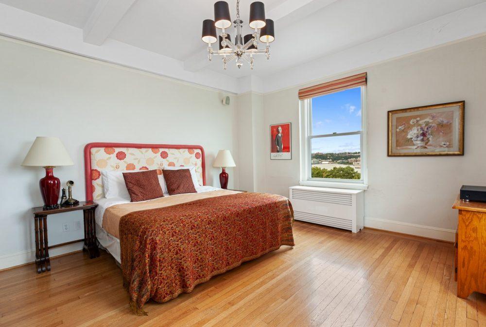 Riverside_Drive_355_7W_Master_Bedroom_Alt_